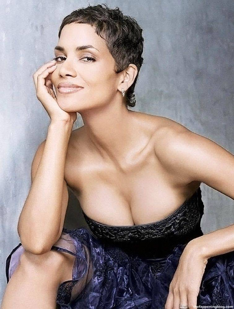 Halle Berry Naked Sexy 32