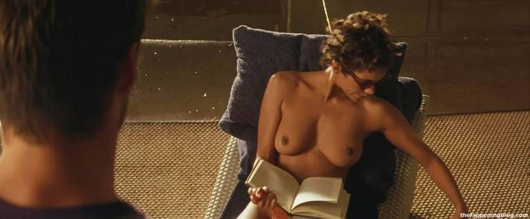Halle Berry Naked Sexy 45