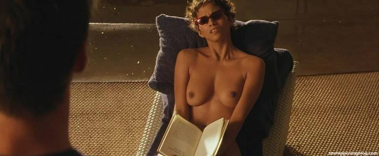 Halle Berry Naked Sexy 48