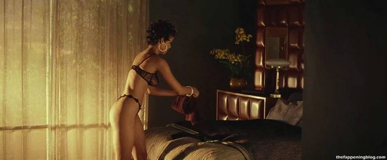 Halle Berry Naked Sexy 50