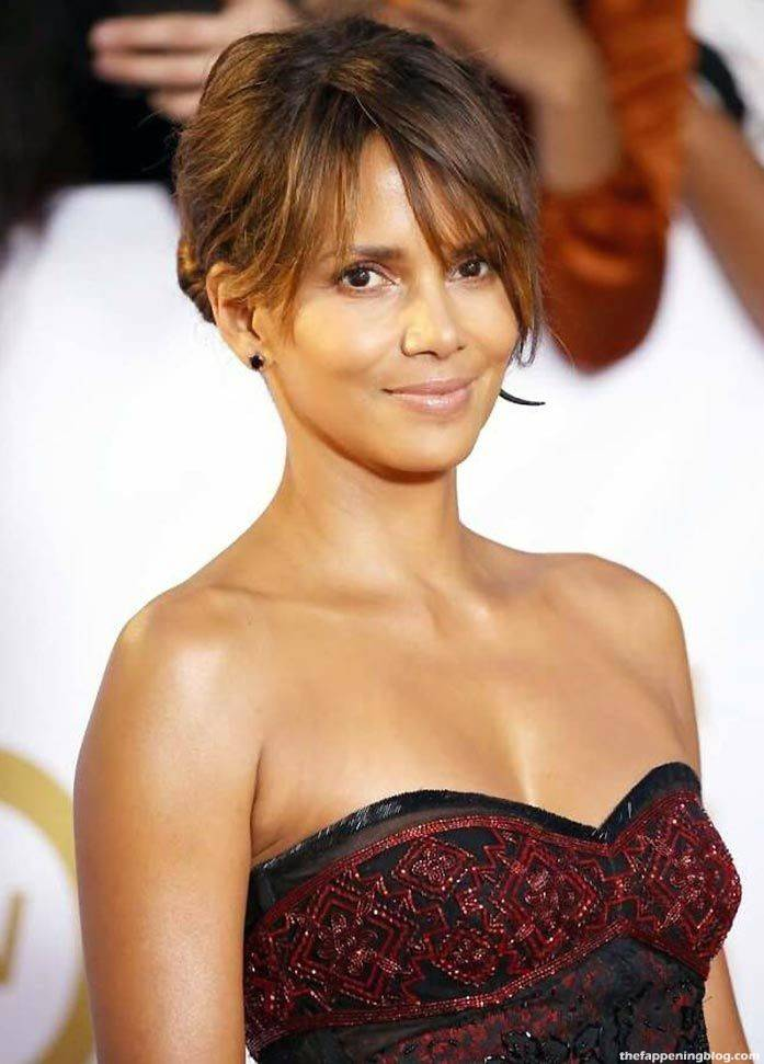Halle Berry Naked Sexy 95