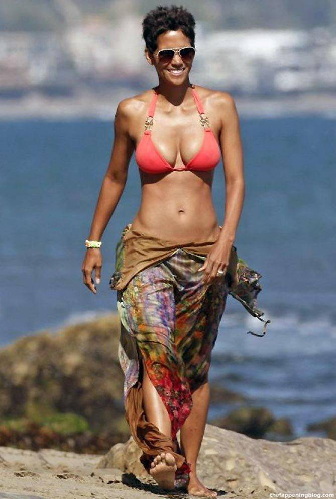 Halle Berry Naked Sexy 99