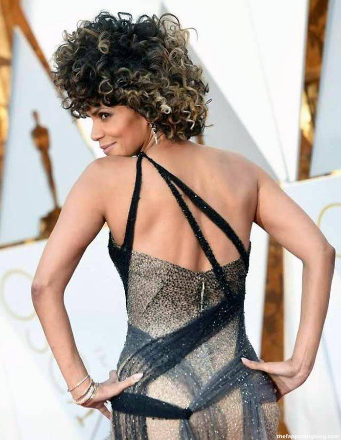 Halle Berry Naked Sexy 101