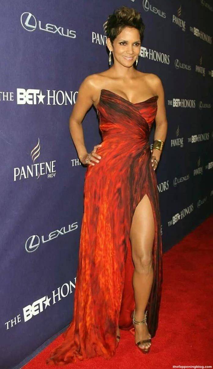 Halle Berry Naked Sexy 104