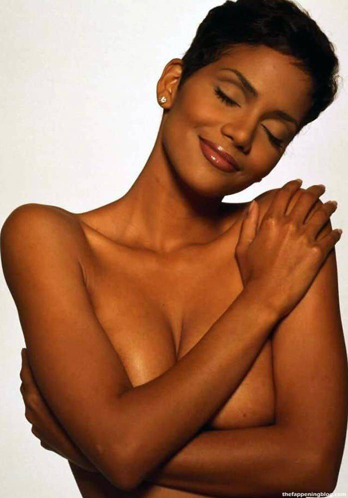 Halle Berry Naked Sexy 107