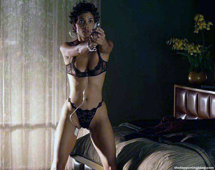 Halle Berry Naked Sexy 119