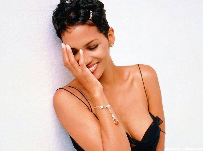 Halle Berry Naked Sexy 150
