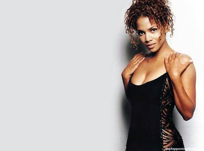 Halle Berry Naked Sexy 154