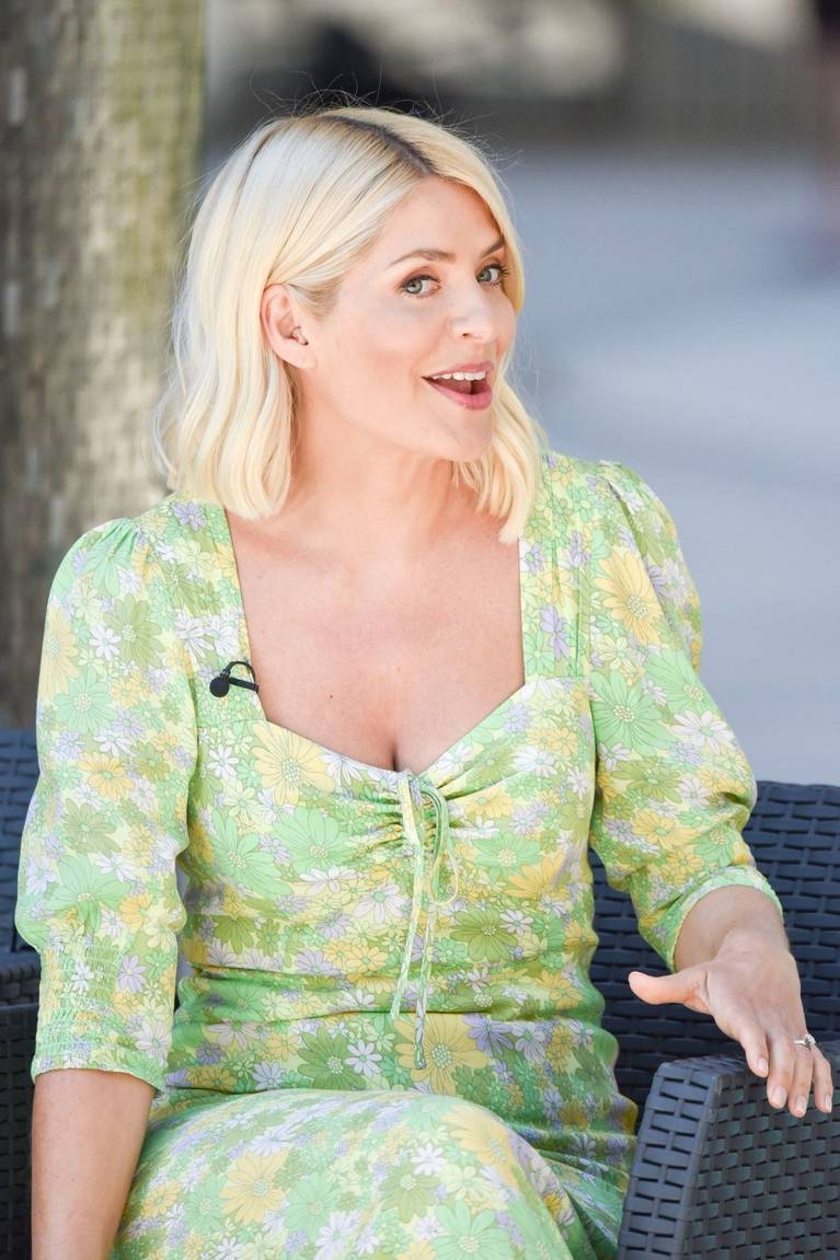 Holly Willoughby Sexy 44