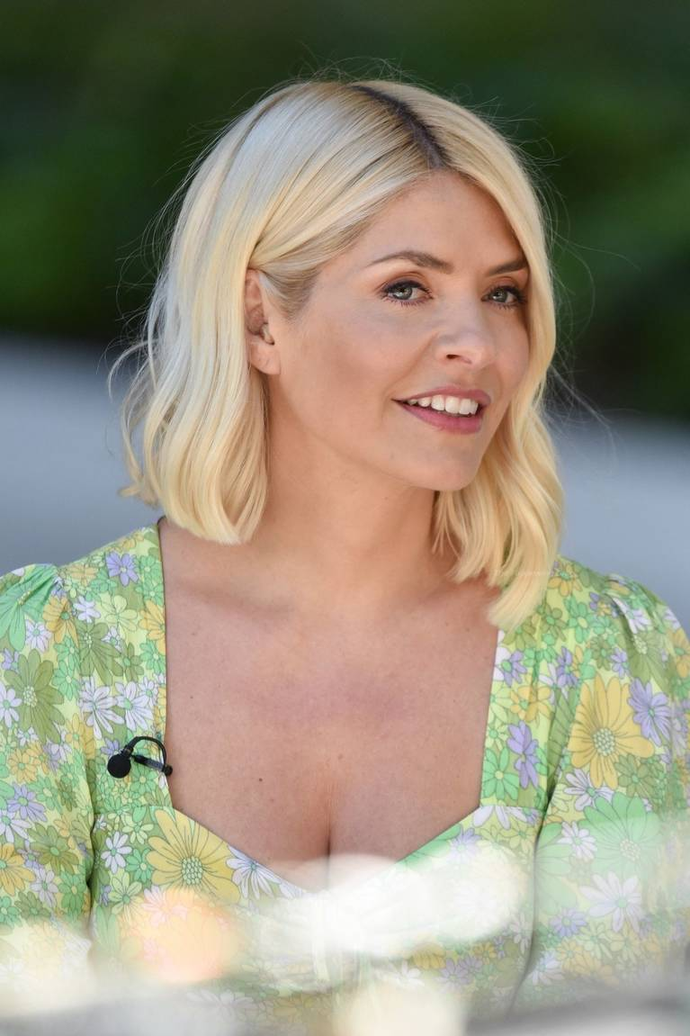 Holly Willoughby Sexy 46