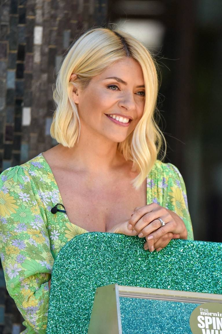 Holly Willoughby Sexy 73