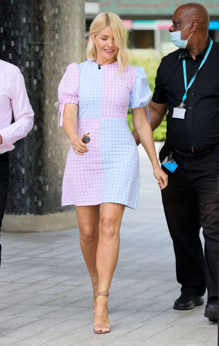 Holly Willoughby Sexy 9