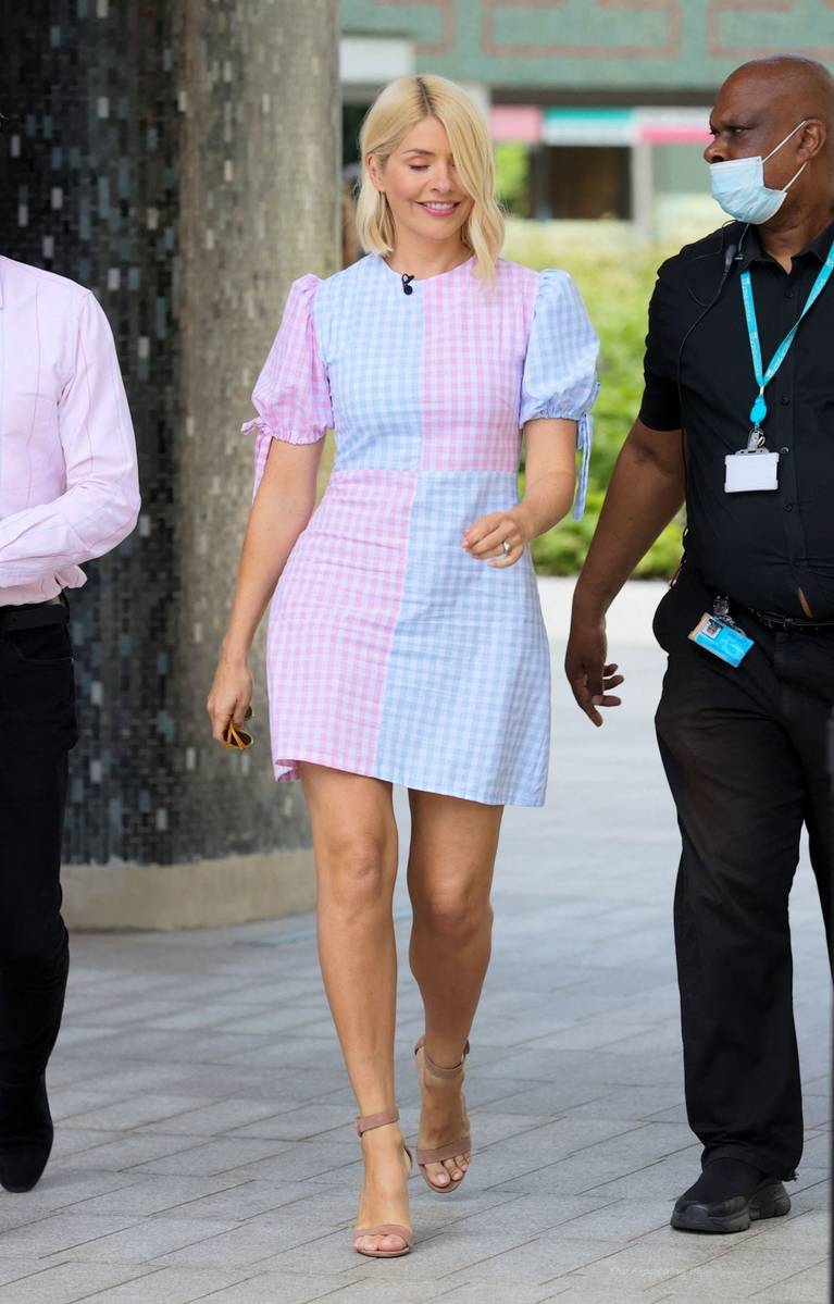 Holly Willoughby Sexy 10