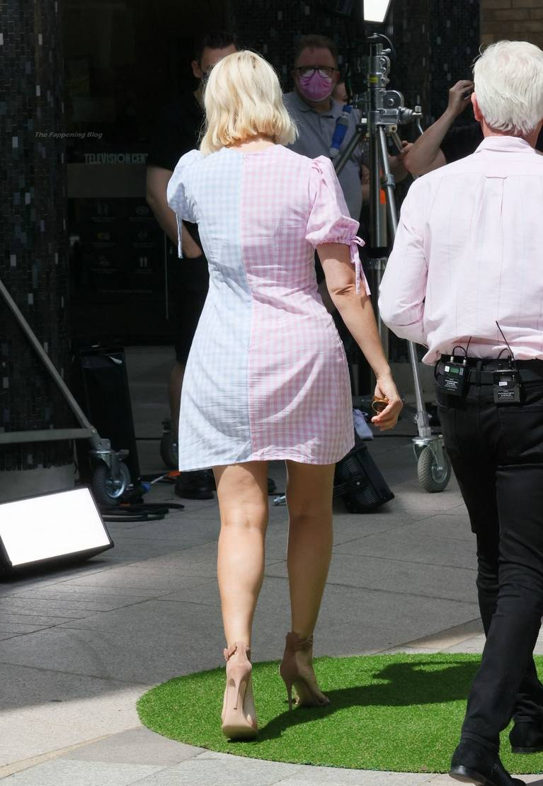 Holly Willoughby Sexy 13