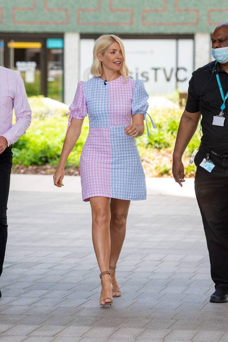 Holly Willoughby Sexy 28