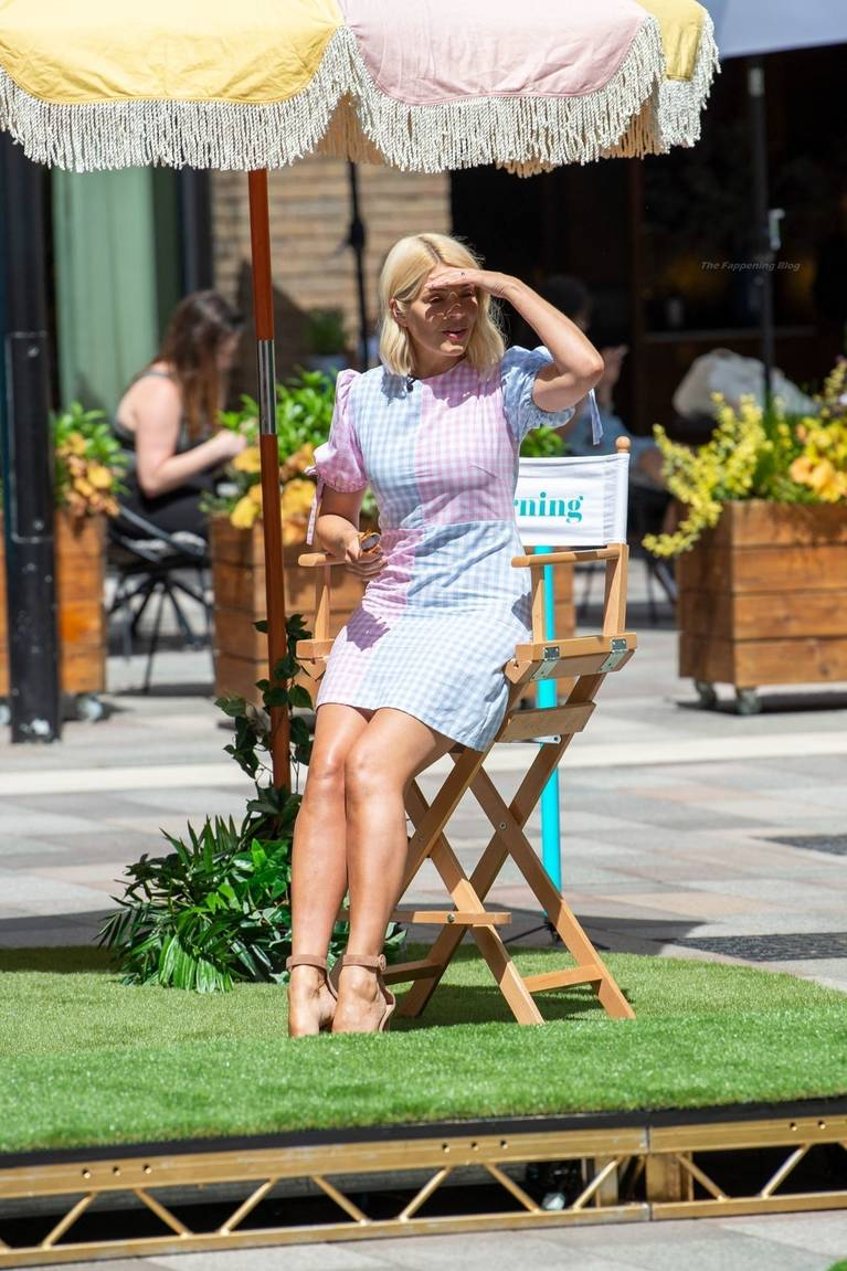 Holly Willoughby Sexy 33