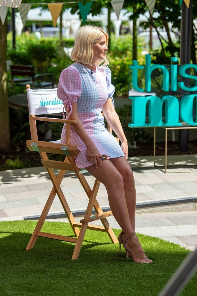 Holly Willoughby Sexy 53