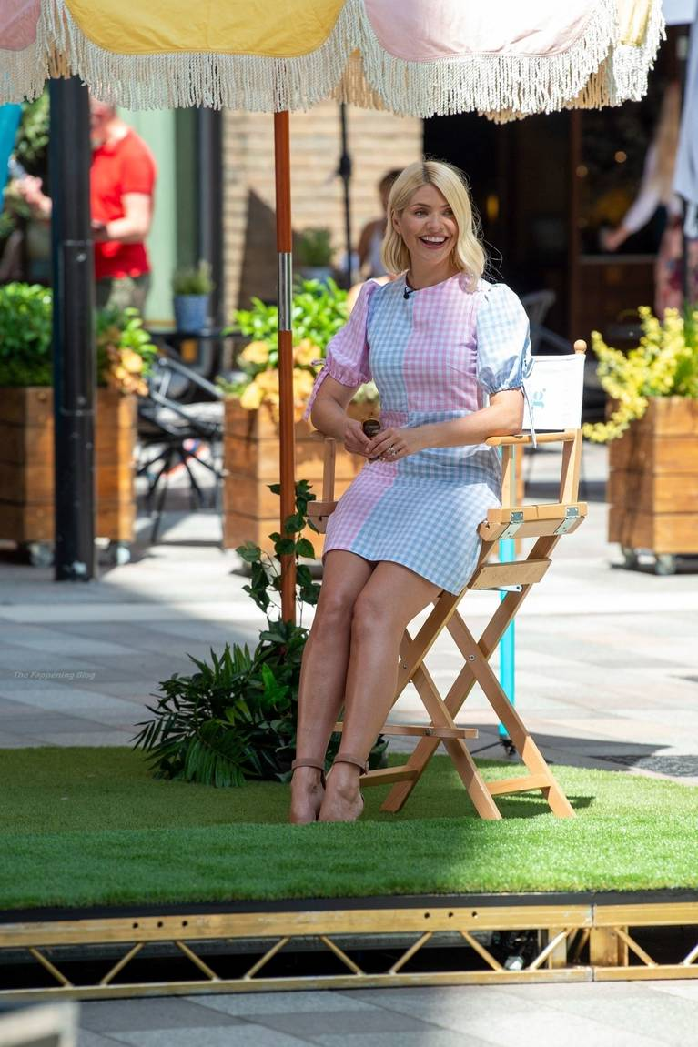 Holly Willoughby Sexy 56