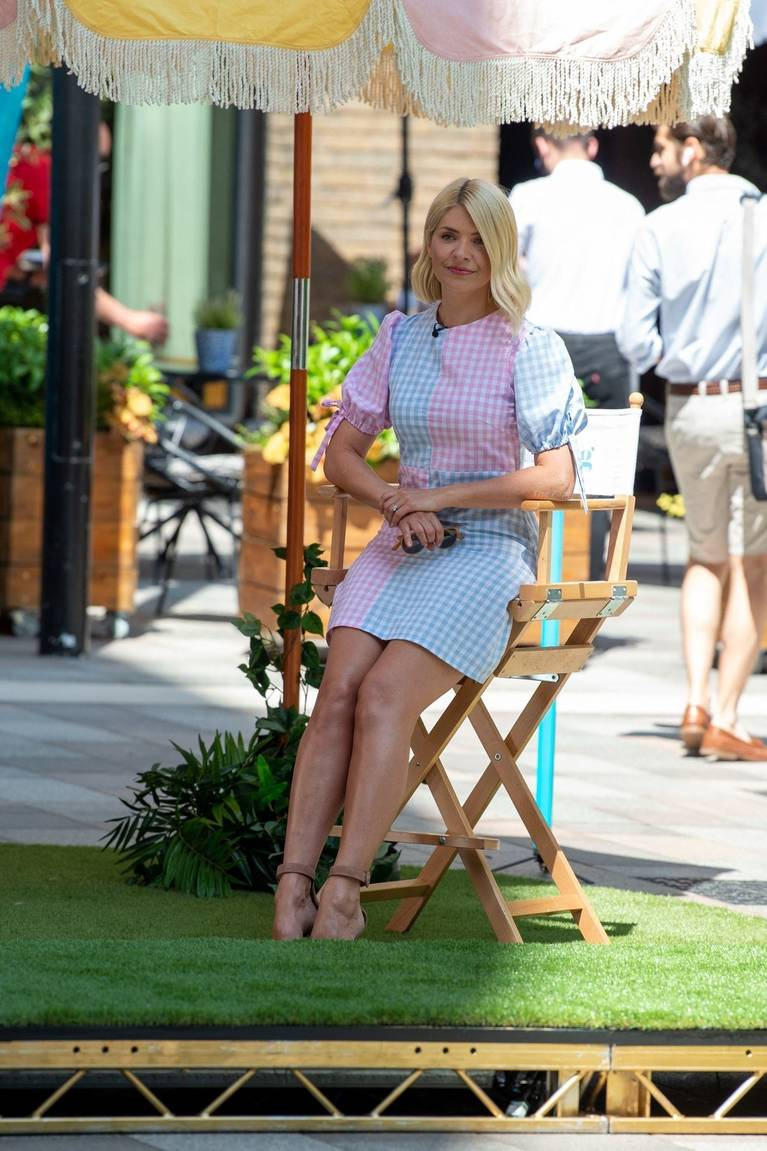 Holly Willoughby Sexy 57