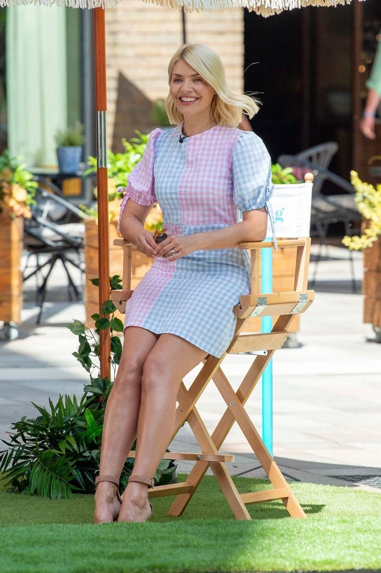 Holly Willoughby Sexy 61