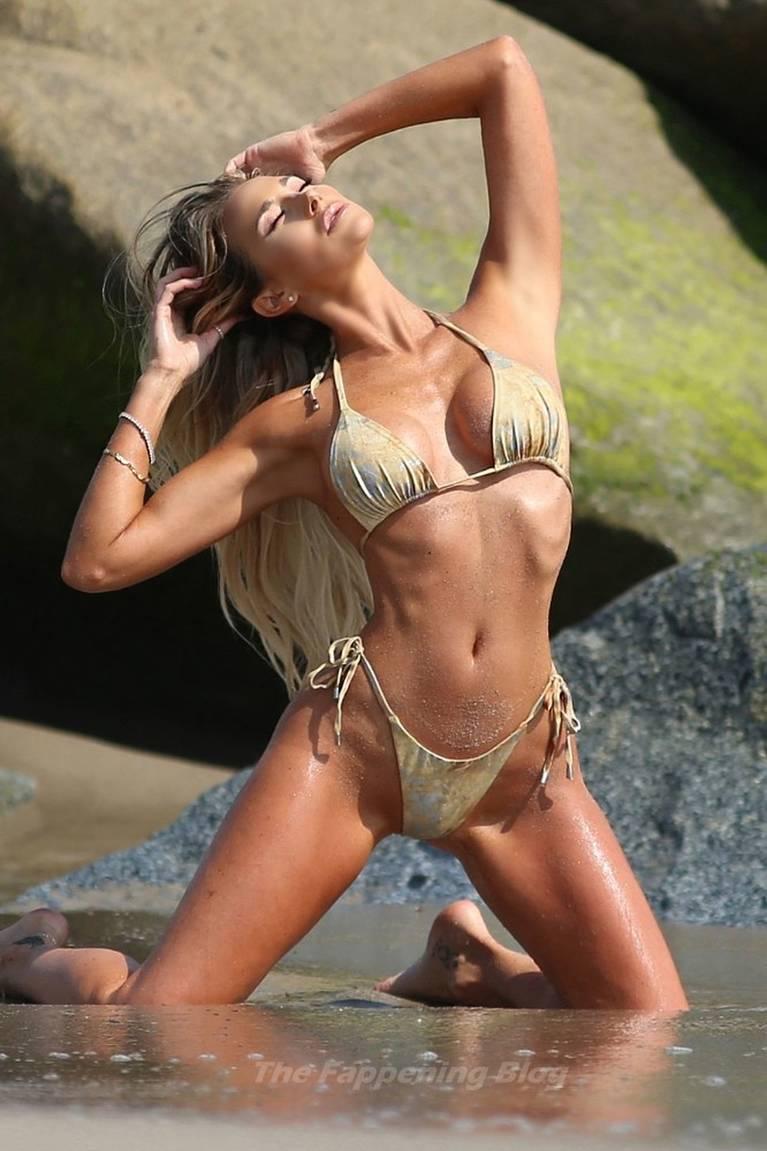 Jeni Summers Sexy on Beach Bikini 1