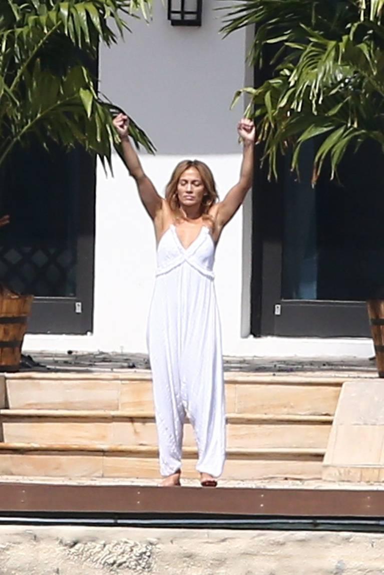 Jennifer Lopez Sexy 15