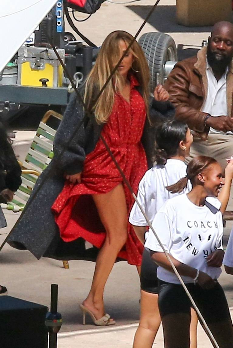 Jennifer Lopez Dress 14
