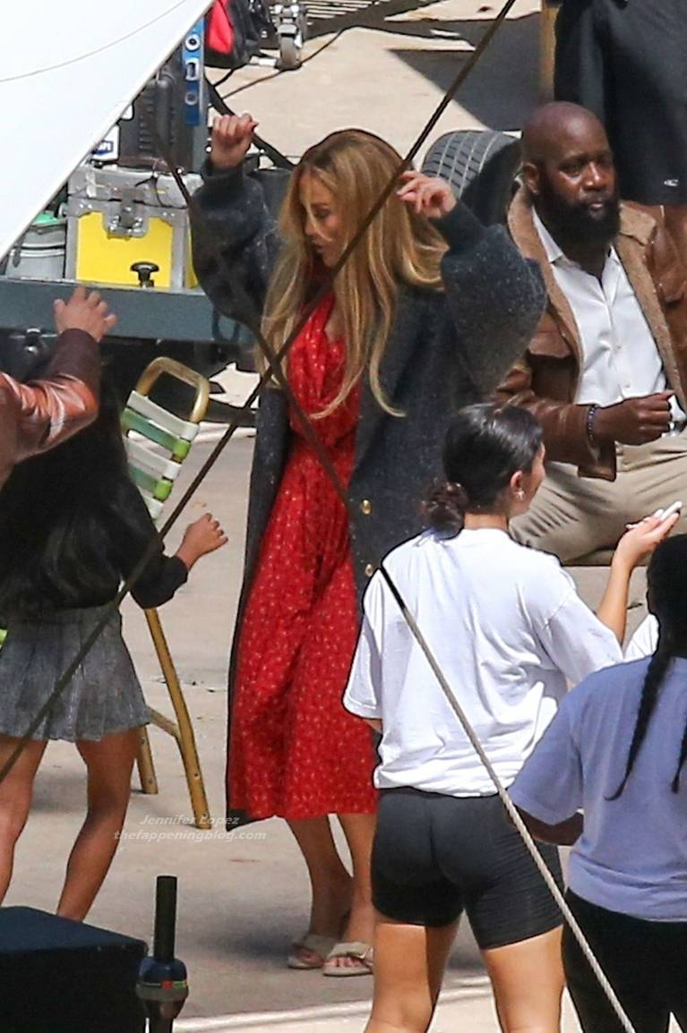 Jennifer Lopez Dress 17