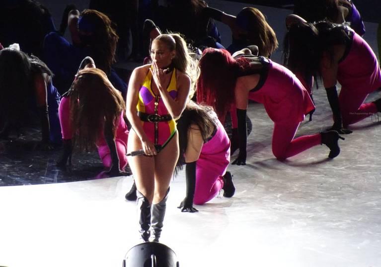 Jennifer Lopez Sexy 3
