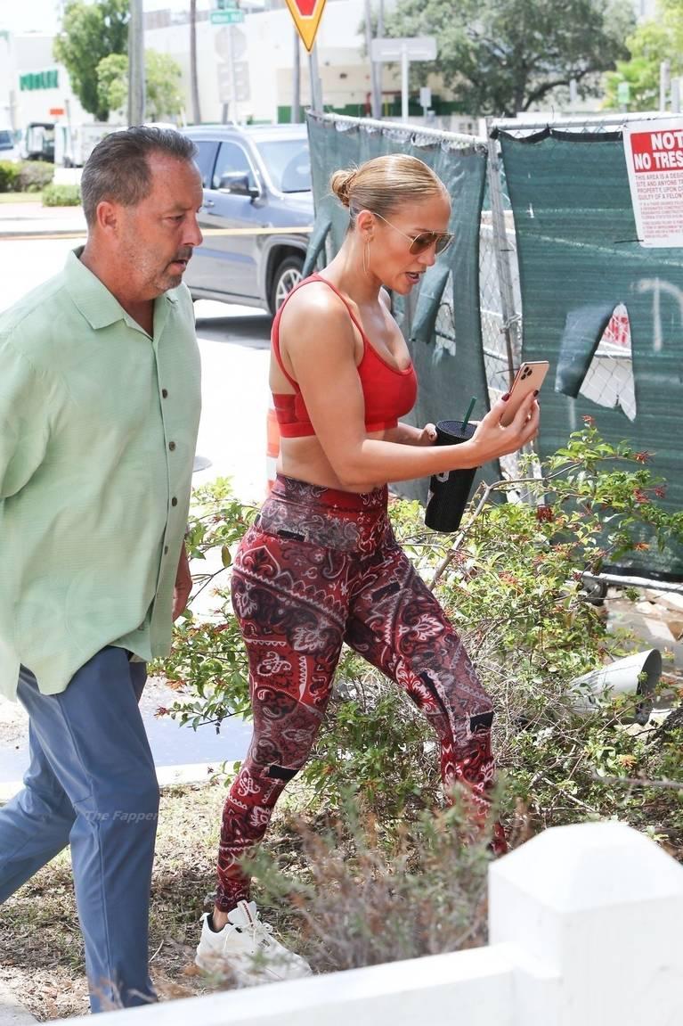 Jennifer Lopez Tits Butt 5