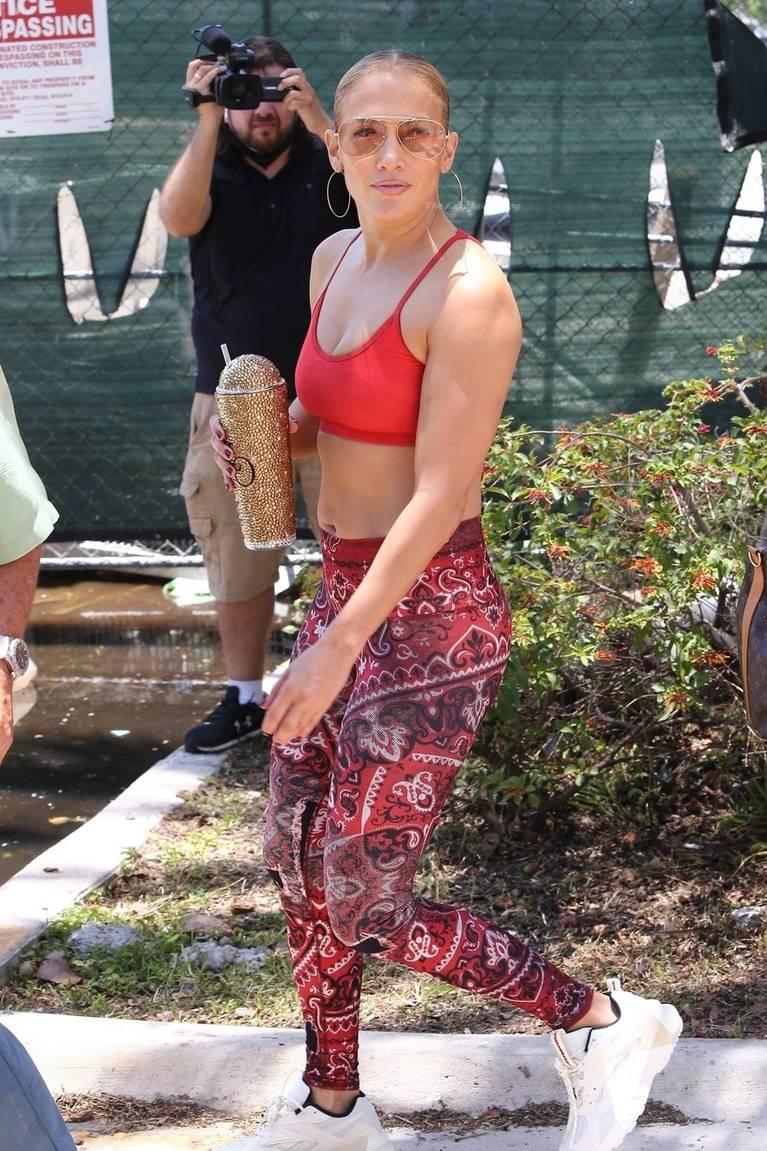 Jennifer Lopez Tits Butt 23
