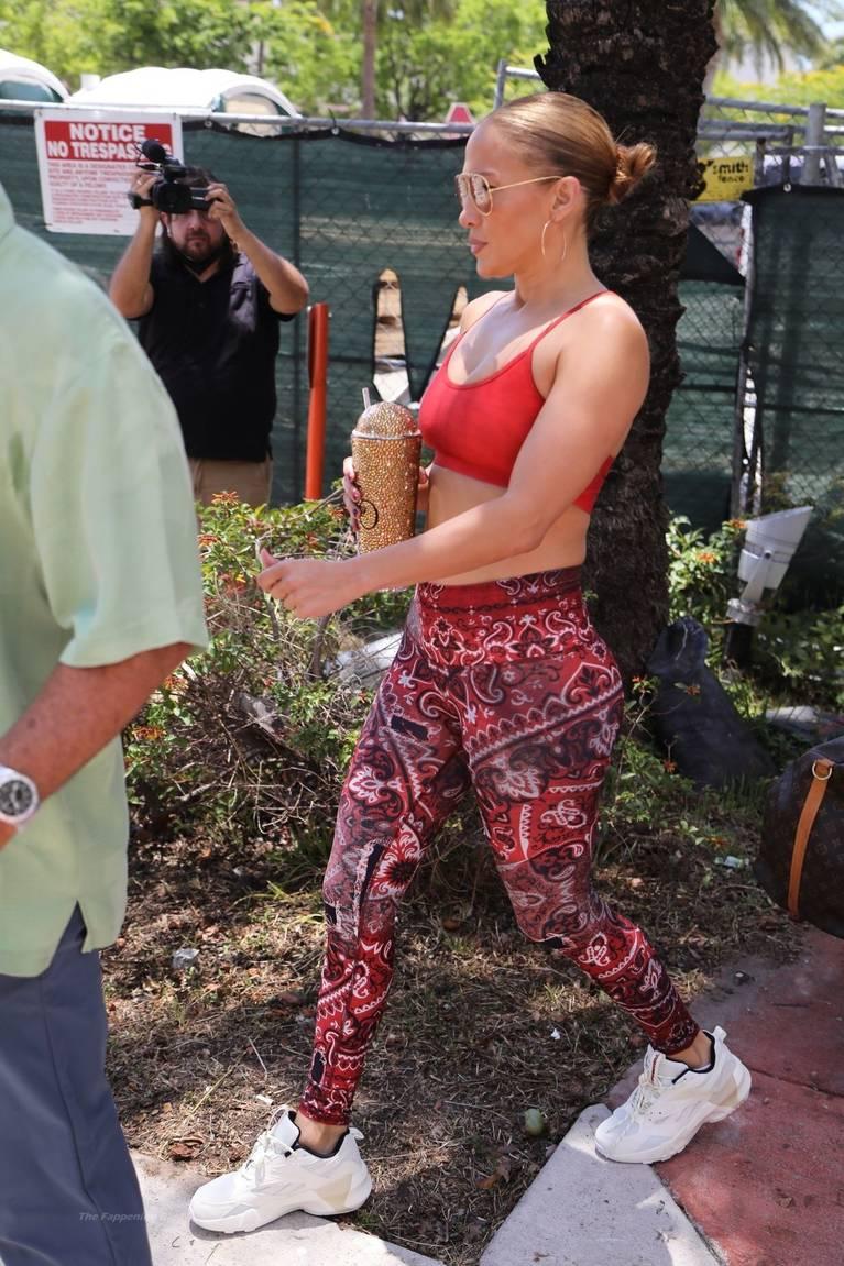 Jennifer Lopez Tits Butt 31