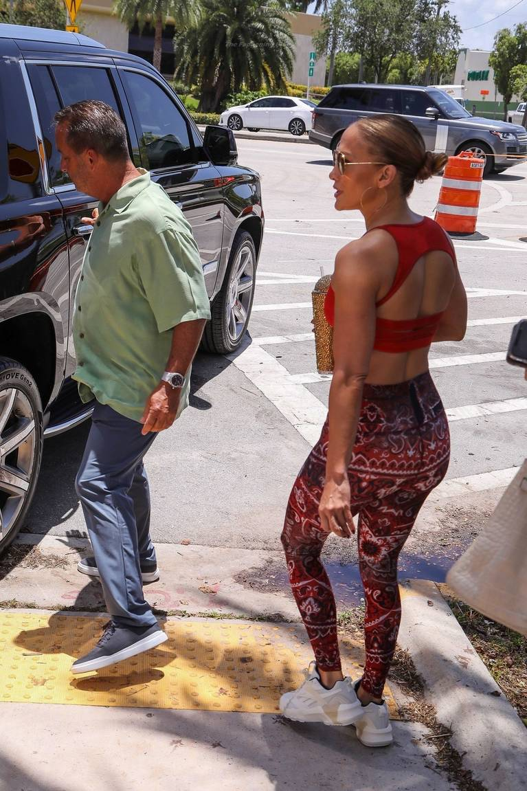 Jennifer Lopez Tits Butt 36