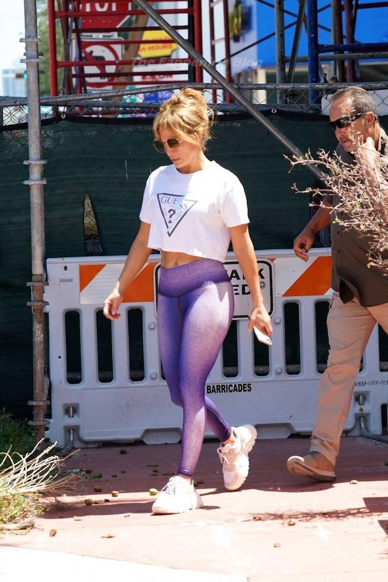 Jennifer Lopez Sexy 64