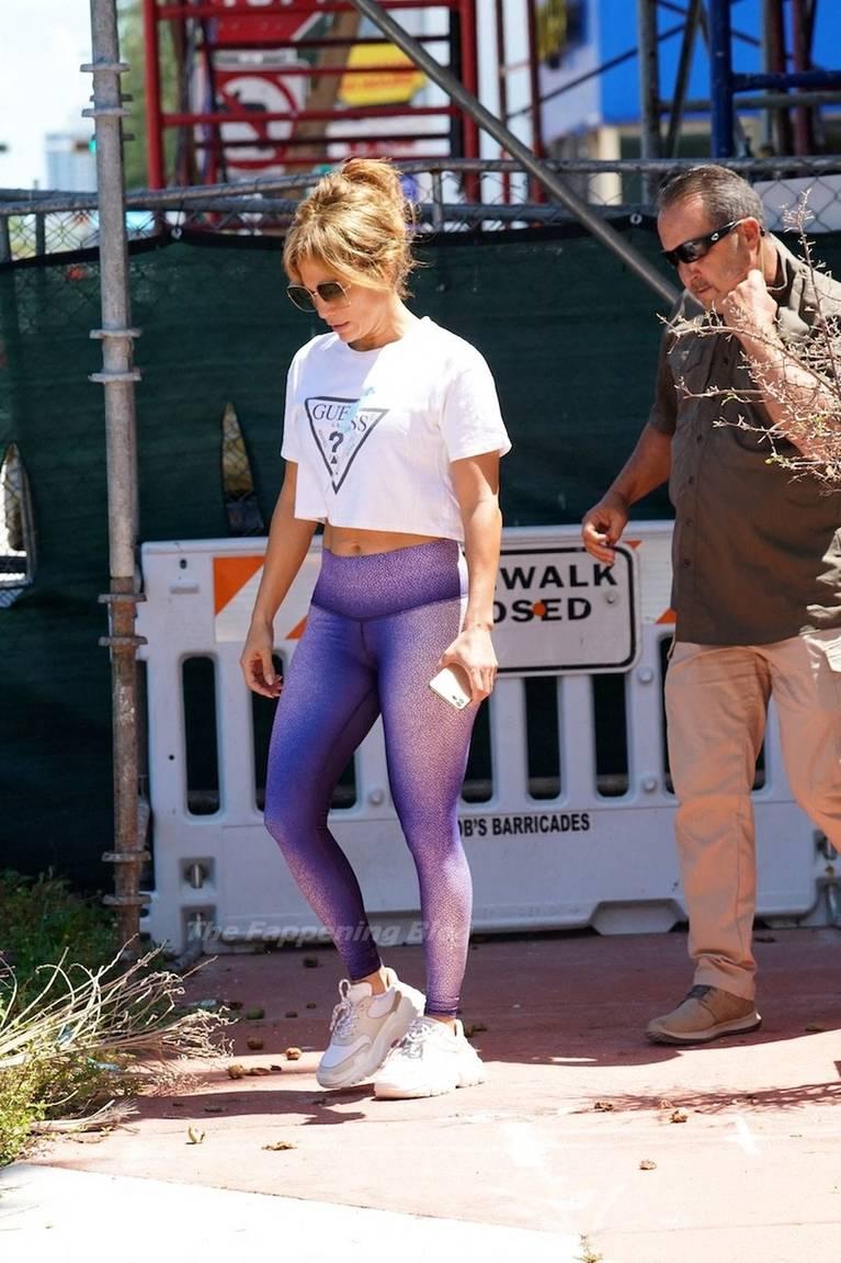 Jennifer Lopez Sexy 68