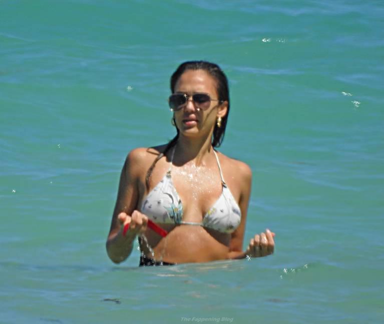 Jessica Alba Sexy 68