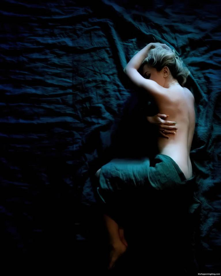 JoJo Levesque Naked 1