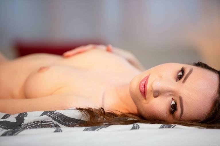 Kate Quinn Nude 103
