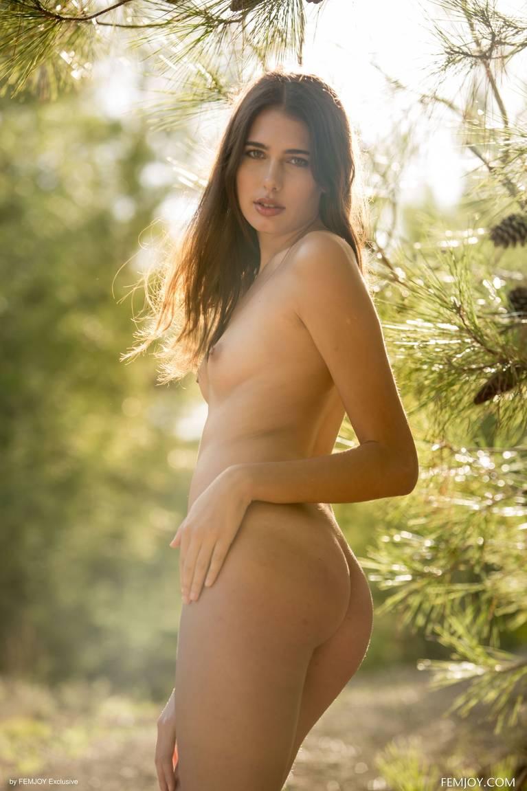 Katrine Pirs Nude Sexy 17