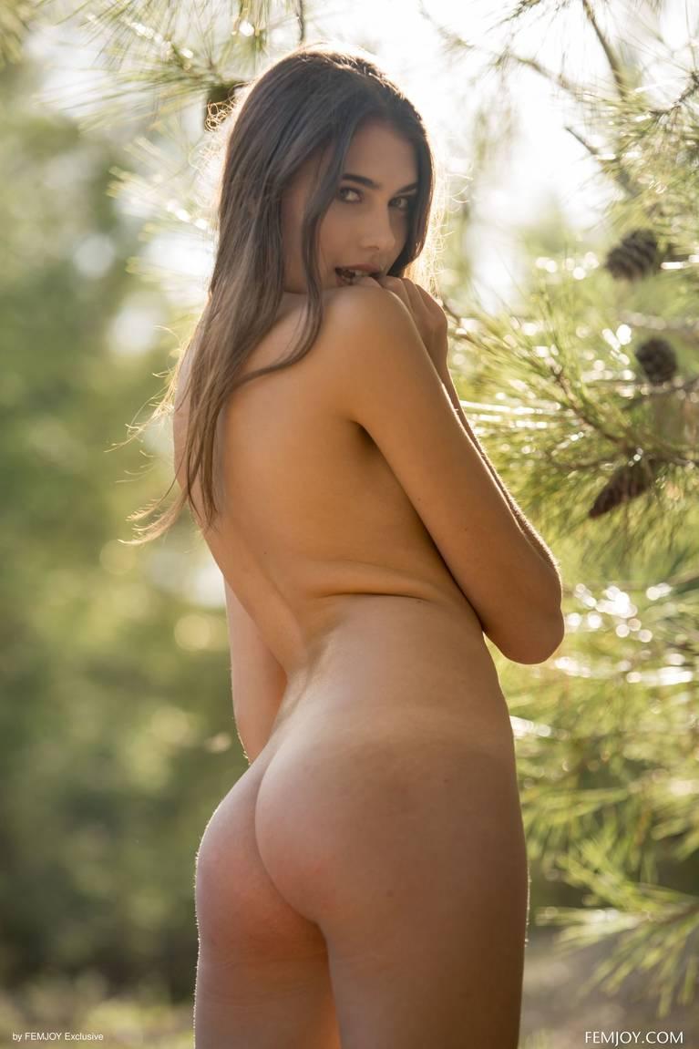 Katrine Pirs Nude Sexy 21
