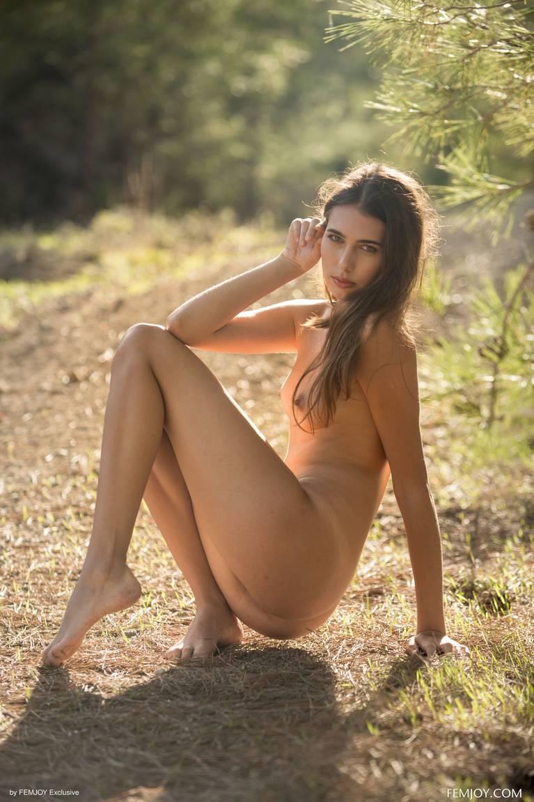 Katrine Pirs Nude Sexy 25