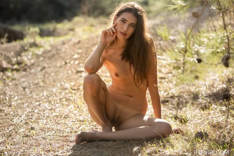 Katrine Pirs Nude Sexy 26