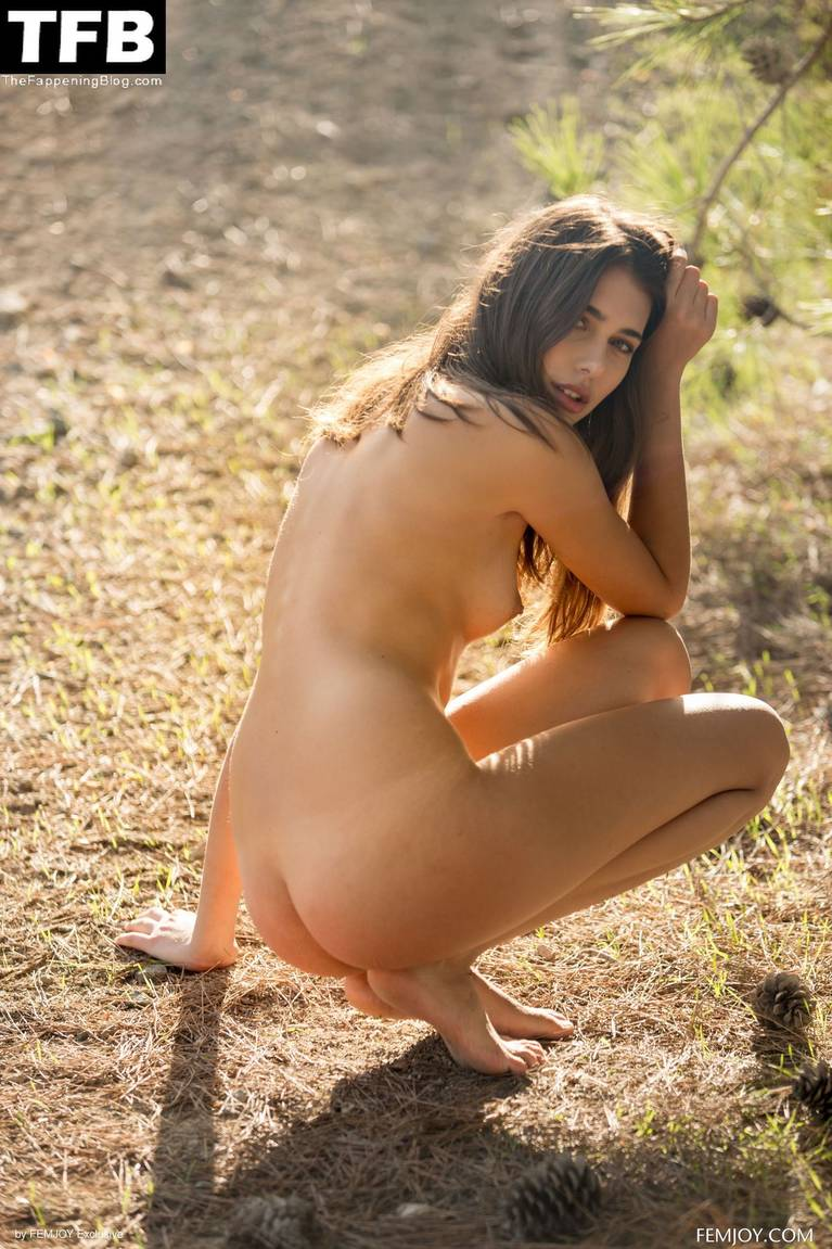 Katrine Pirs Nude Sexy 41