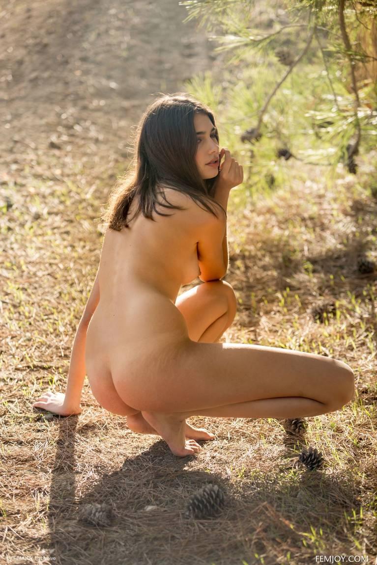 Katrine Pirs Nude Sexy 42