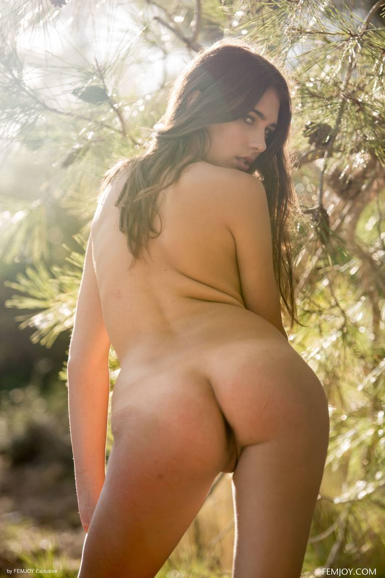 Katrine Pirs Nude Sexy 51