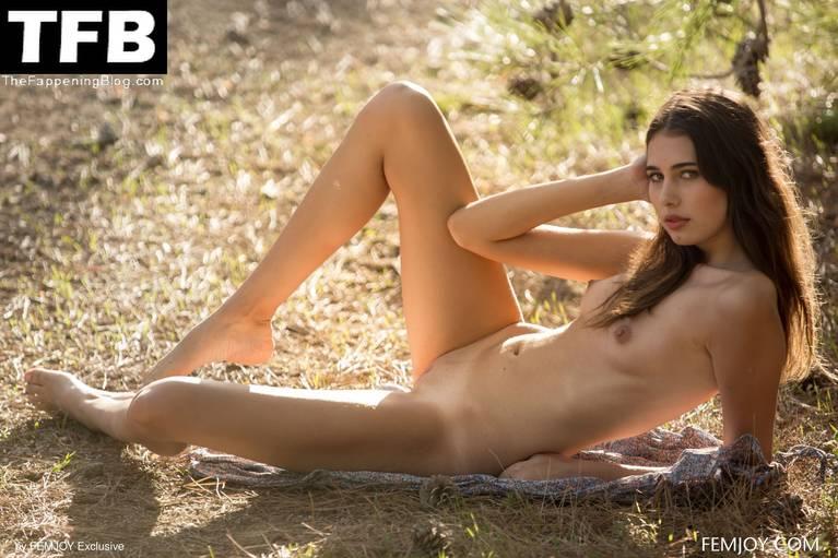 Katrine Pirs Nude Sexy 57
