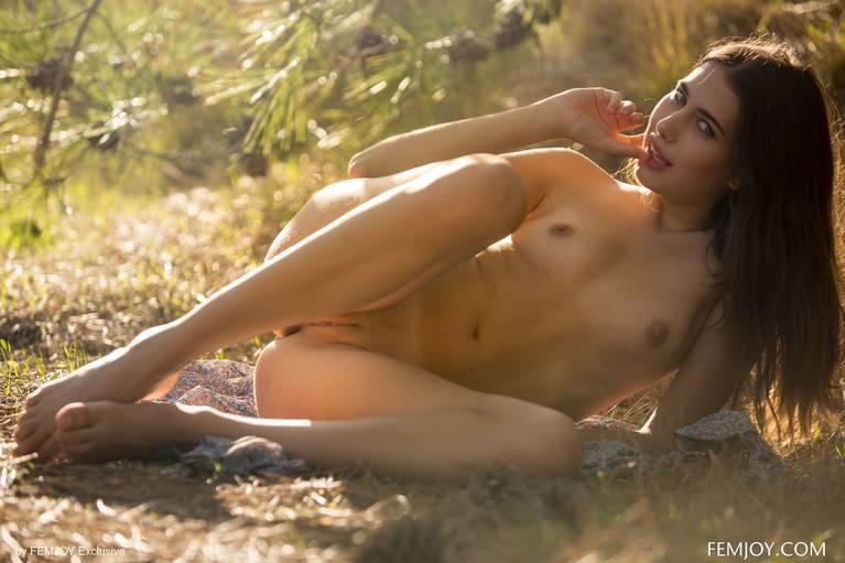 Katrine Pirs Nude Sexy 74