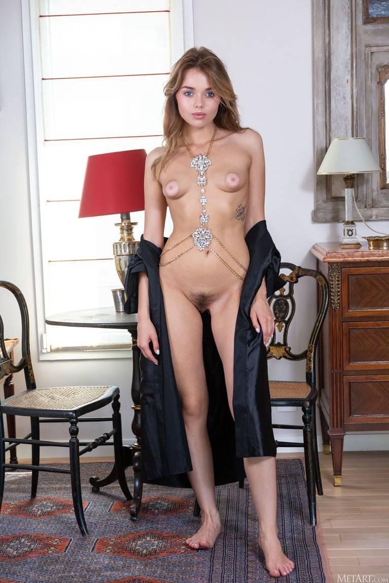 Keira Blue Nude 9