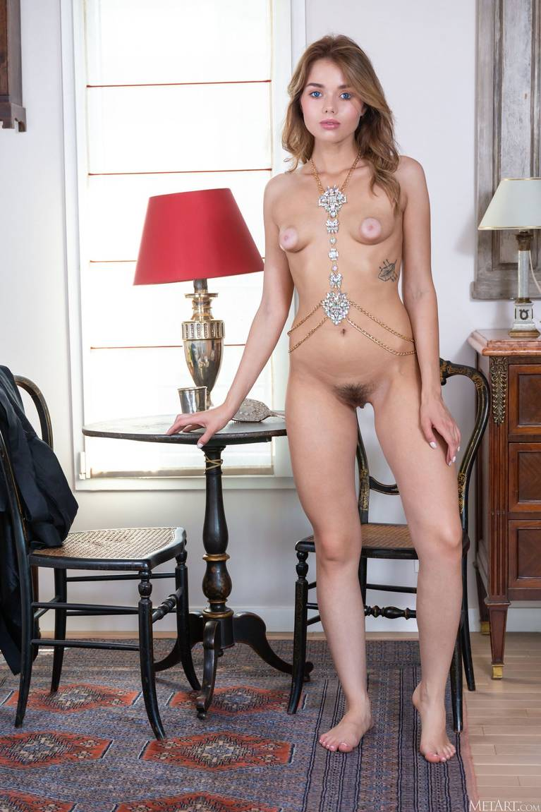 Keira Blue Nude 14