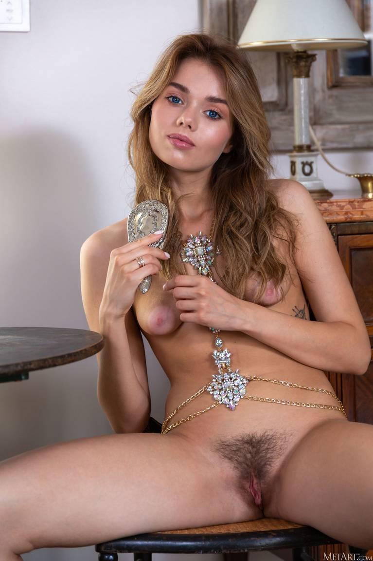 Keira Blue Nude 27